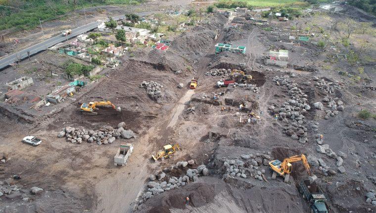 Así luce San Miguel Los Lotes, ahora conocido como Zona Cero, donde este martes fueron localizados restos de personas que no sobrevivieron a la erupción del 3 de junio del 2018. (Foto Prensa Libre: Carlos Paredes)