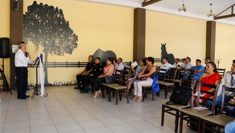 La Comisión Presidencial de Diálogo presentó en Retalhuleu la Estrategia Departamental de Atención a la Conflictividad. (Foto Prensa Libre: Rolando Miranda)