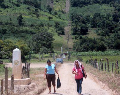 En los puntos ciegos entre la frontera de México y Guatemala no existe presencia de autoridades, lo que facilita el ingreso y salida de personas a ambos países. (Foto Prensa Libre: Mike Castillo)