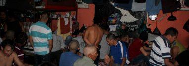 La cárcel preventiva de Huehuetenango luce saturada todos los días. Foto Prensa Libre: Mike Castillo)