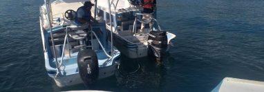 Por causas que se desconocen el piloto de una lancha en Panajachel cayó al Lago y está desaparecido. (Foto Prensa Libre: Noticias Solola)