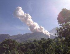 Desde el 2016 existe una prohibición para subir el volcán Santiaguito a causa del peligro que según la Conred representa. (Foto Prensa Libre: cortesía Conred)