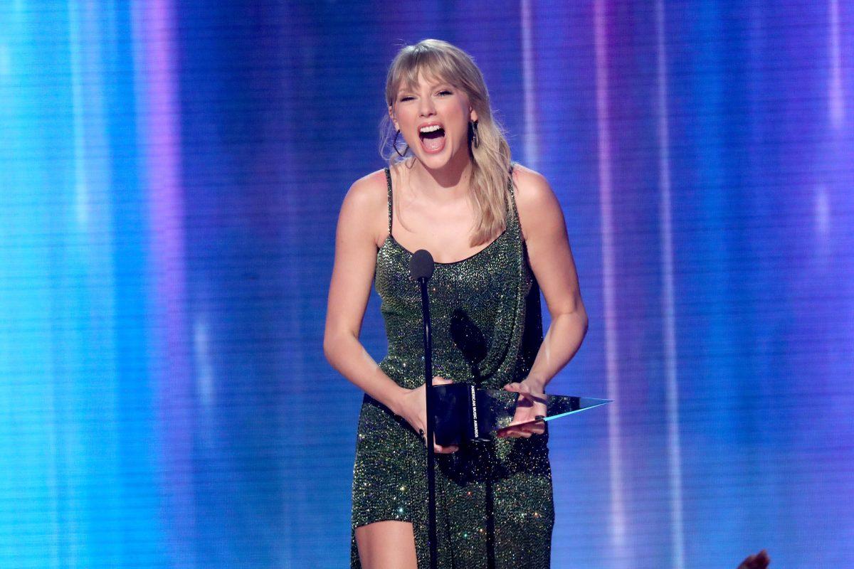 Taylor Swift le quita el récord a Michael Jackson y se corona como la artista con más AMA's