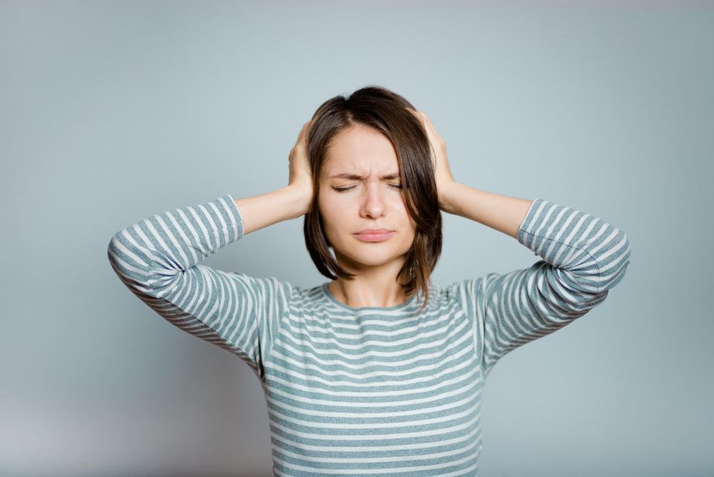 Dolor de cabeza y no puede escuchar de un oído
