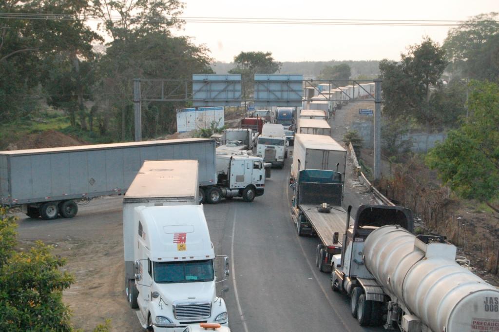 ¿Cuánto se pierde por cada accidente de tránsito de transporte pesado en Guatemala?