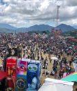 El festival de barriletes en Sumpango, Sacatepéquez atrae a la mayor cantidad de turistas locales y extranjeros este 1 de noviembre, según los datos del Inguat. (Foto Prensa Libre: Óscar Rivas Pú)