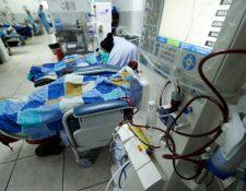 Este año se atienden cinco mil 740 pacientes por insuficiencia renal crónica en Unaerc, de ellos, dos mil 85 reciben hemodiálisis. (Foto Prensa Libre: Hemeroteca PL)