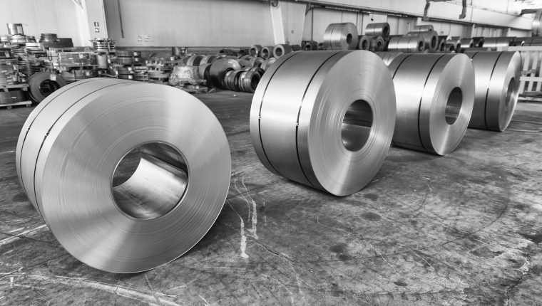 La DACE lleva a cabo un estudio económico en la importación de productos laminados con el fin de aplicar o no una salvaguardia para proteger a la industria local. (Foto Prensa Libre: Hemeroteca)
