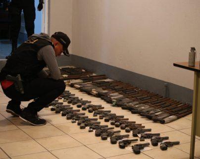 Más de 400 armas incauta la PNC, propiedad de empresa de seguridad que no estaba registrada