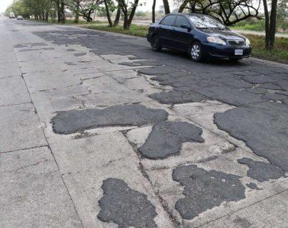 Vista de un tramo de la CA-) Sur que conduce a Puerto Quetzal y que está en malas condiciones. (Foto Prensa Libre: Hemeroteca PL)