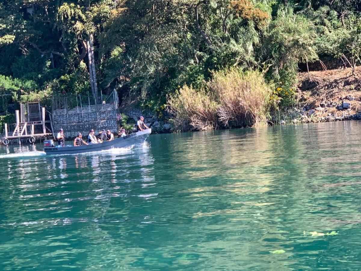 72 horas de búsqueda sin localizar a lanchero que desapareció en el Lago de Atitlán