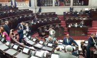 Diputados asisten a la sesión plenaria de este 5 de noviembre. (Foto Prensa Libre: Noé Medina)
