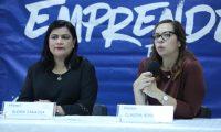 Gloria Zarazúa y Claudia Alva informaron sobre las actividades del cierre de EmprendeFest. (Foto Prensa Libre: Cortesía Mineco)