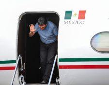 Evo Morales al aterrizar en México. (Foto Prensa Libre: AFP).
