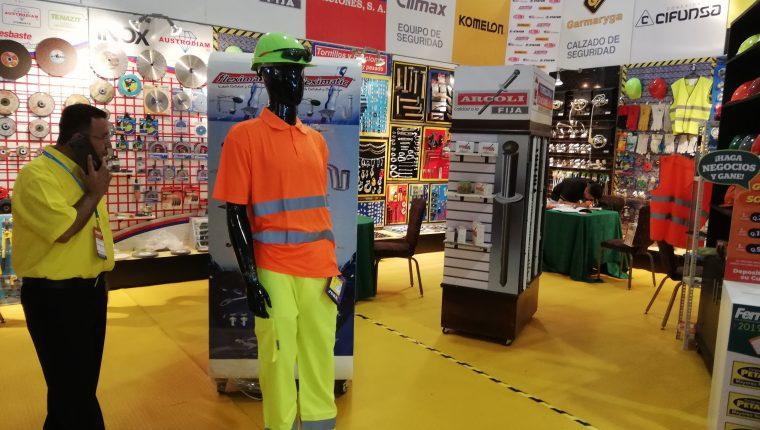 La Ferrtexpo reúne a varias empresas relacionadas al sector construcción y esté año las ventas han crecido 20%. (Foto Prensa Libre: Urías Gamarro)