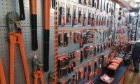 Desde clavos hasta productos especializados en la construcción se exponen en la Ferretexpo, que se lleva a cabo en el centro de Convenciones del Hotel Tikal Futura en la zona 11 y finaliza el domingo. (Foto Prensa Libre: Urías Gamarro)