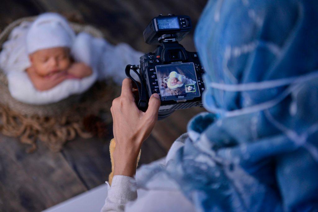 Es recomendable dejar que el fotógrafo realice su trabajo. (Foto Prensa Libre: AFP)