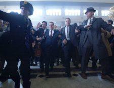 The Irishman narra la historia del sicario Frank Sheeran, vinculado con la mafia en las décadas de 1960 y 1970. Es protagonizada por Al Pacino, Robert De Niro y Joe Pesci. (Foto Prensa Libre: Netflix).