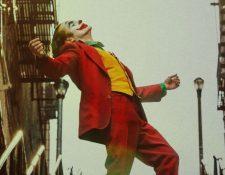 La actuación de Joaquin Phoenix en Joker lo pone como favorito para los Oscar. (Foto Prensa Libre: Tomada de jokermovie.net)