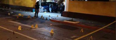 En la zona del ataque quedaron más de 40 casquillos de bala. (Foto Prensa Libre: Cortesía)