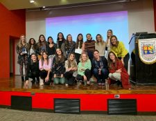 Mujeres guatemaltecas reconocidas durante el Día Internacional de la Mujer Emprendedora del 2019 y de años anteriores. (Foto Prensa Libre: Cortesía)