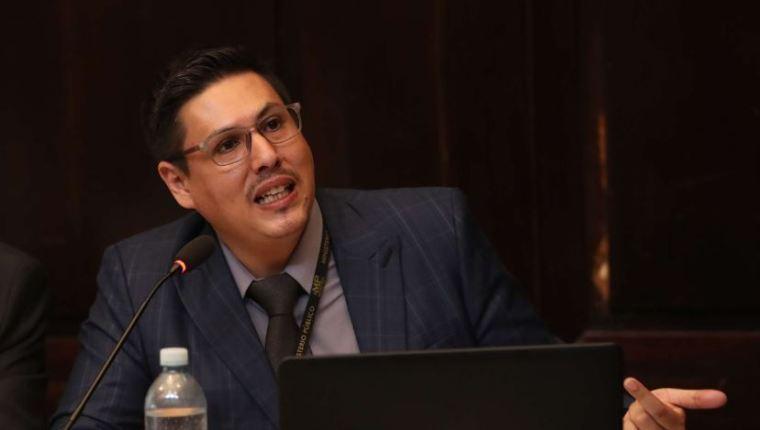 Renuncia al MP el fiscal de Delitos Electorales Óscar Schaad
