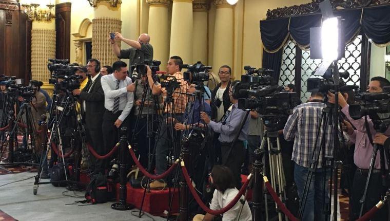 PDH condena moralmente a Jimmy Morales por violación del derecho a la libertad de expresión