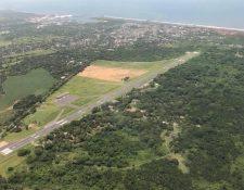 Pista del Aeropuerto de San José, Escuintla. (Foto Prensa Libre: @FrancisArguetaA).