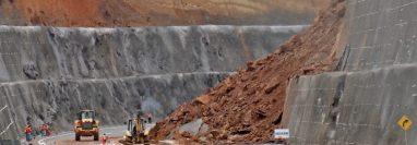 En el libramiento de Chimaltenango también han ocurrido derrumbes. (Foto Prensa Libre: Hemeroteca PL)