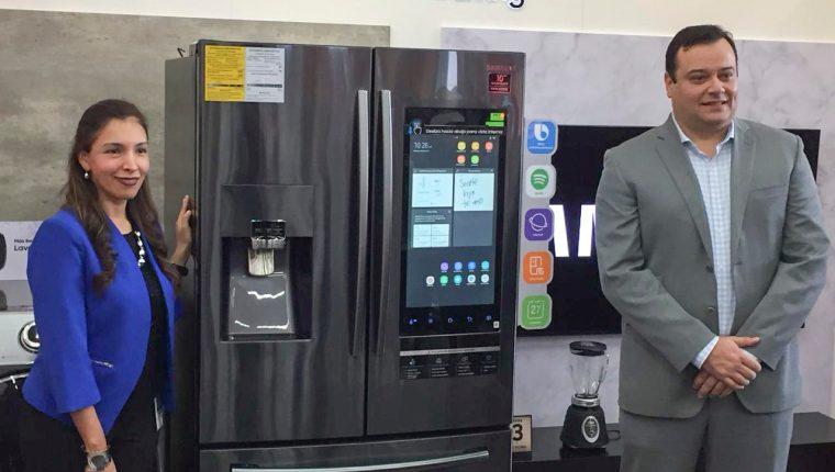 Tiendas Max y Samsung presentaron los nuevos refrigeradores. Foto. Prensa Libre: Norvin Mendoza