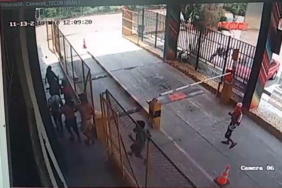 Videos: Encapuchados retienen a personal y causan destrozos en aduana de la SAT