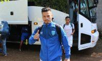 Stefano Cincotta en su llegada al estadio Israel Barrios, de Coatepeque. (Foto Fedefut).