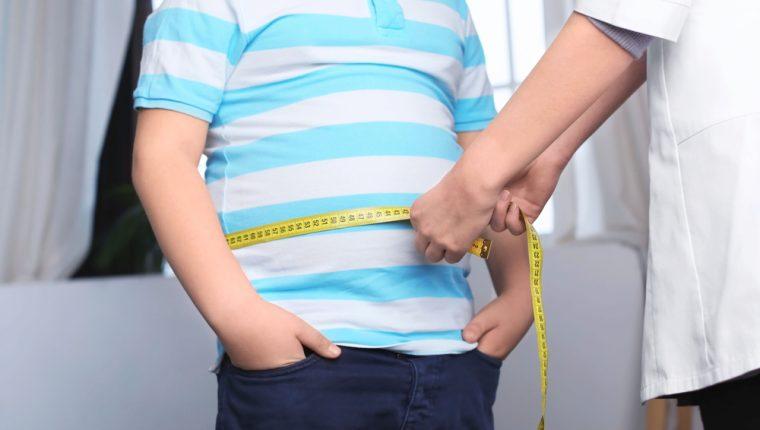 Acorde a datos de la Organización Mundial de la Salud (OMS), en 2016, 41 millones de niños menores de cinco años y más de 340 millones de niños y adolescentes de 5 a 19 años tenían sobrepeso u obesidad. (Foto Prensa Libre: Servicios)