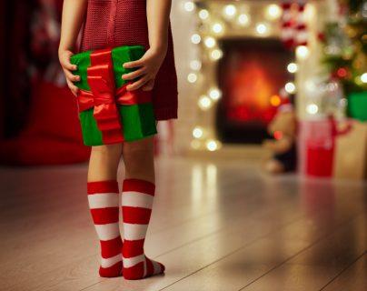 ¡Regálele una feliz Navidad a sus hijos! Todos deberíamos poder disfrutar las fiestas de fin de año. (Foto Prensa Libre: Servicios).