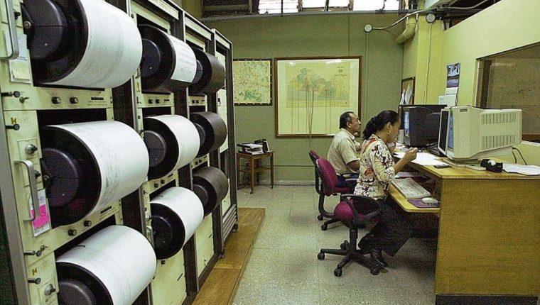 Los expertos advierten que los movimientos sísmicos continuarán. (Foto Prensa Libre: La Prensa Gráfica)
