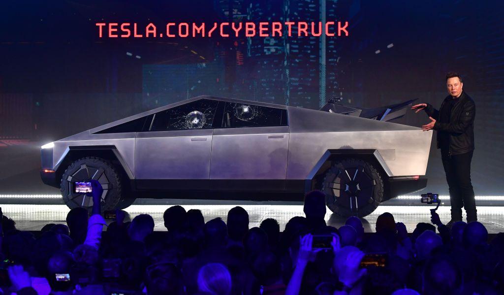 ¿Por qué se rompió la ventana del Tesla Cybertruck? Elon Musk revela detalles del incidente