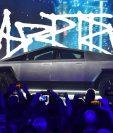 """Tesla presenta """"cybertruck"""", su famoso vehículo eléctrico. (Foto Prensa Libre: AFP)"""