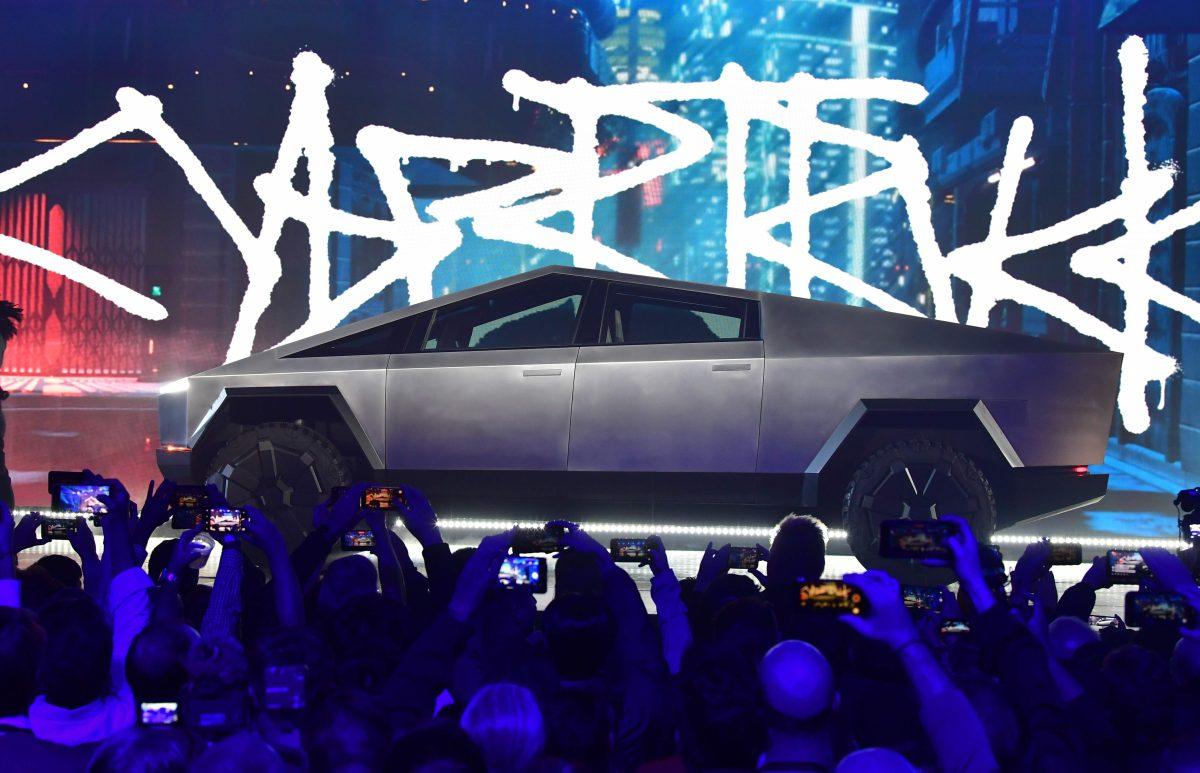 """Video deja en vergüenza a Tesla durante la presentación de su vehículo """"irrompible"""""""