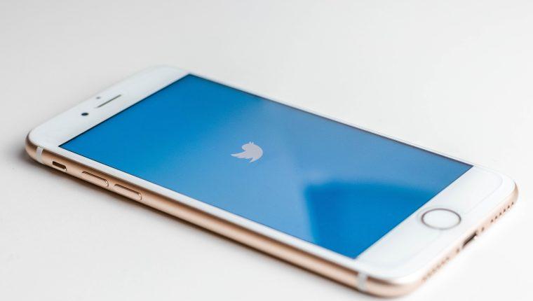 Twitter está probando hilos de conversaciones como los de Reddit en la web. (Foto Prensa Libre: unsplash)