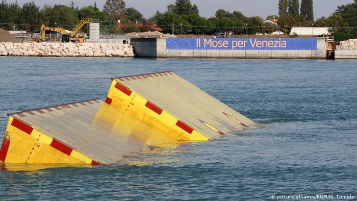 Compuertas del sistema MOSE, en Venecia. (Octubre de 2013). (picture-alliance/ROPI/M. Toniolo)