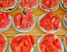 Comer sandía como postre o en refacciones le ayudará a reducir su peso. (Foto Prensa Libre: Servicios)