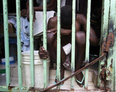 Un prisionero haitiano en la Penitenciaría Nacional de Puerto Príncipe. (Foto de archivo tomada en febrero 2017)