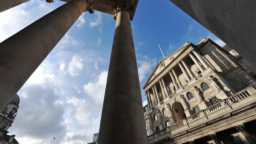 El escándalo de los corredores de bolsa que escuchaban las palabras de los directivos del Banco de Inglaterra antes que nadie