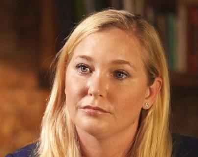 La estadounidense Virginia Giuffre asegura que Jeffrey Epstein la obligó a mantener relaciones sexuales con el príncipe Andrés de Inglaterra cuando ella tenía 17 años.