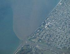 Durante décadas se han vertido basuras agrícolas e industriales en el mar Negro. GETTY IMAGES