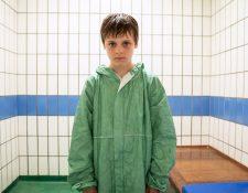 El actor Billy Barrett, interpreta a Ray, un niño de 10 años que asesina a su padrastro abusivo con 60 puñaladas. BBC/KUDOS/ ED MILLER