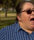 La reacción de Virginia Medina cuando descubrió que su ciudad le había regalado US$500 extras para sus gastos.