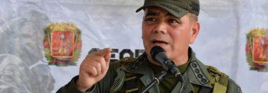 """El ministro de Defensa de Venezuela, Vladimir Padrino, dijo que """"sectores extremistas"""" atacaron una instalación militar. GETTY IMAGES"""