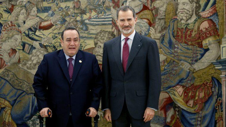 El rey Felipe VI recibe en audiencia al presidente electo de Guatemala, Alejandro Giammattei. (Foto Prensa Libre: EFE)