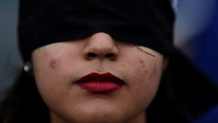 La violencia y acoso contra las mujeres ha despertado marchas en múltiples países. (Foto Prensa Libre: EFE)